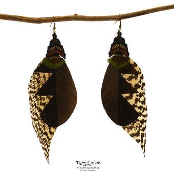 boucles d'oreilles plumes paon dindon macramé artisanal