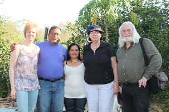 Familie Henriquez mit der dithmarscher Delegation   Foto: Böhm