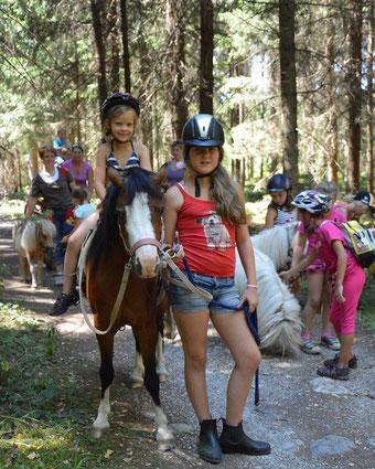 "Fotos vom Camp unter ""Events for Kids-Ponyerlebnistage"""