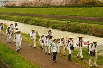 椿本陣へ安威川を北上・紙上さん撮影