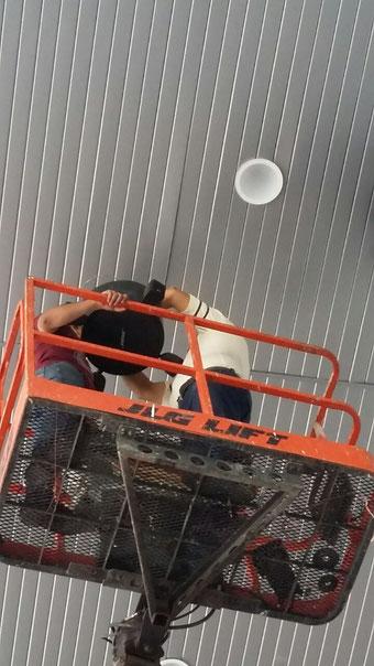 instalación de bocinas de plafón, audio ambiental