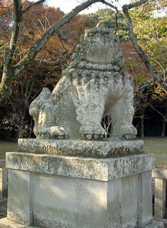 静岡縣護國神社 狛犬