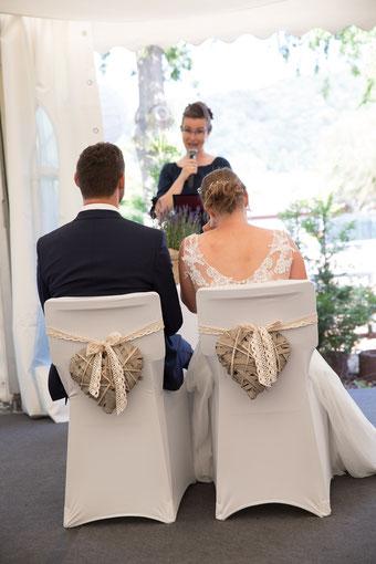 Hochzeitsrednerin Stella Grammling bei einer Freien Trauung in Heidelberg im Moods - Foto: Konrad Gös, Heidelfoto