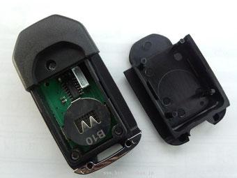 使用電池CR2032