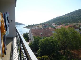 Der Blick von unserem Balkon aufs Meer