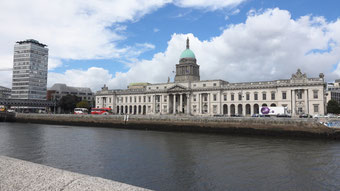 Das Custom House am Liffey.