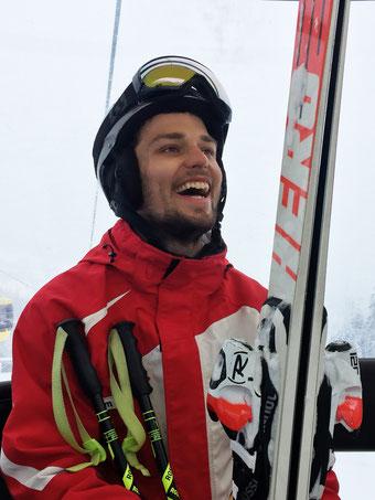 Skilehrer Tim in seinem Element