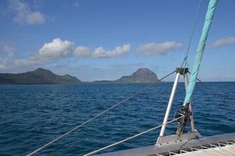Mit dem Katamaran die Westküste entlang segeln...