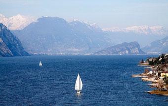 Заказ такси трансфер на озерные курорты Италии