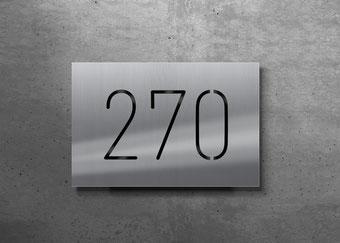 Beleuchtete Hausnummer 270, Tagansicht