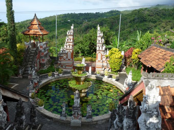 Brahma Vihara Arama, a beautiful Buddhist monastery in the hills of Lovina