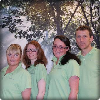 Frau Kunze, Frau Schneider, Frau Krämer, Herr Kusenbach (von links nach rechts)