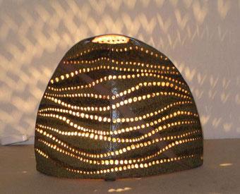半月線紋陶灯 (30cmX16cmx高さ25cm)