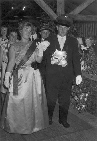 Norbert Werner & Waltraud Schröder bei der Polonaise im Jahr 1965
