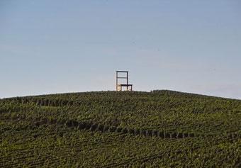 die Strecke führt auch vorbei am Stuhl in Leiselheim - Bild anklicken!