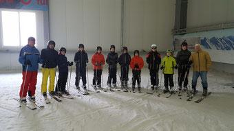 12 von 28 Personen auf dem Gipfel
