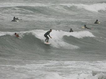 コンディションがどうであれ、波がある日曜に感謝♪