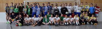 Alle Mannschaften, die am Gaudi Fußballturnier teilgenommen haben