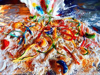 Zarahzetas Lebenskunst mit Bunte Skulptur aus Lebensmitteln