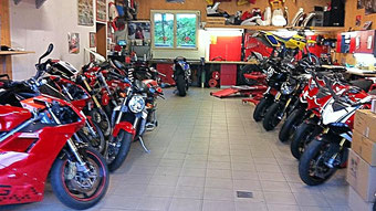 Motorradwerkstatt Glarnerracing