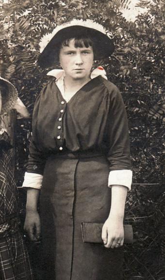 Historisches Foto - Erna Heinen, 1918