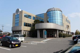 新潟市東区松崎の産婦人科医院さまの外観