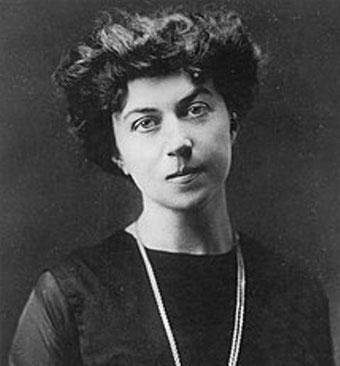(Alexandra Kollontai, Moskva 1920 -  russisk feminist og fremtrædende medlem af  'Arbejderoppositionen' i bolsjevikpartiet)