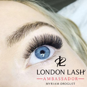 Pose d'extensions de cils volume Russe 5D by Myriam Nos P'tits Secrets Montpellier - London Lash