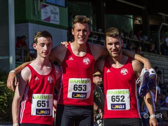 V.l.: Jonas Hochstrate, Jan David Ridder und Erik Höpfner unterboten in starken 7:40,16 Minuten die U20-DM-Norm über 3x1000m. (Foto: Jan-Hendrik Ridder)