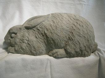 Hasenskulptur Steinskulptur Paul Widmer