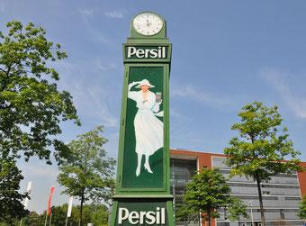 Persil-Uhr am Standort in Düsseldorf © 2018 Henkel AG & Co. KGaA.