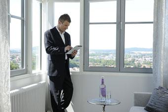 Online-Buchungsportale gewinnen immer mehr an Bedeutung. Foto: Günther Standl