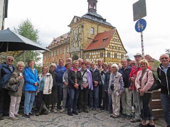 Vor dem Alten Rathaus in Bamberg