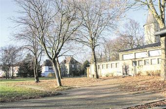 Was passiert mit dem Gelände der abgerissenen Stimberg- schule? Wohnbebauung und maximal kleiner Einzelhandel wird von der Kommunalpolitik favorisiert. —FOTO: DITTRICH