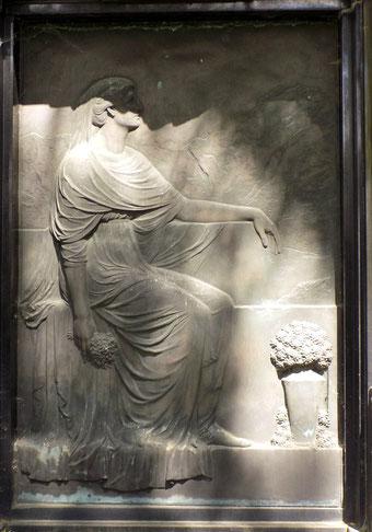Grabmal Familie Flössner St.-Pauli-Friedhof in Dresden Bild: Susann Wuschko