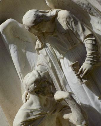 Engel mit Stundenglas Hempel Bild: Susann Wuschko