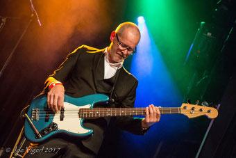 Roman Kovacs - Bass