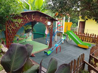 детская площадка - мини-гостиница Аида Адлер Православная 48 (Aida guest house)