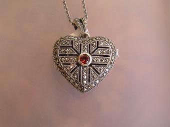 Herz Anhänger Medaillon Silber Markasit Granat