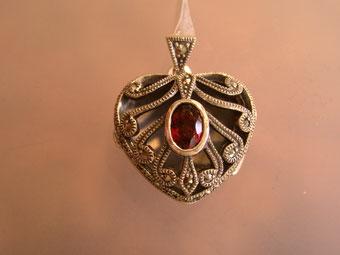 Markasit Herz Anhänger Medaillon mit Granat auf Sterling Silber