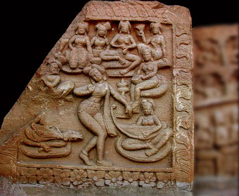 Fragment de linteau du site de Pawaya. Madya Pradesh. Inde. Période Gupta IVe - Ve s.