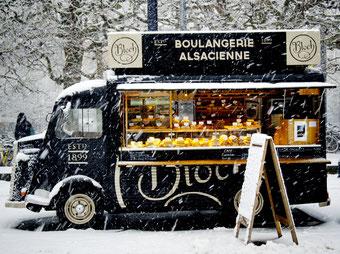 Louez un food truck, une idée originale de pimenter son retour de mariage - Crédit photo : Canva