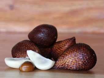 Cibo e cucina in Indonesia. Salak (Snake fruit)