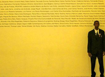 vor dem Museu de Arte do Rio