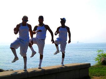 diese Tänzer übten ihre Figuren outdoor