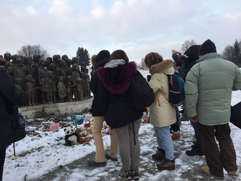 monumento bambini morti