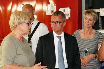 Brandenburgs Wirtschaftsminister Albrecht Gerber zu Besuch bei der OFB Oberflächenbearbeitung Kimax GmbH
