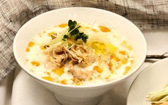 酸菜白肉麺(サンサイパイローメン)