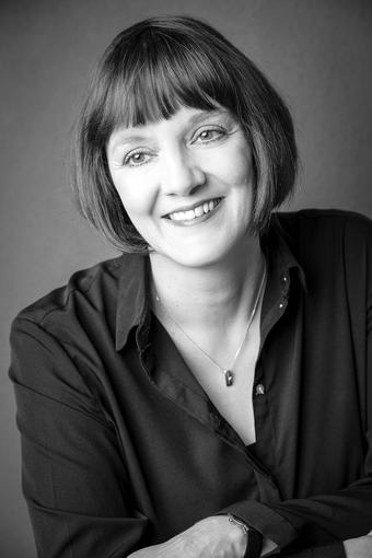 Das Bild zeigt die Autorin Patricia Malcher.