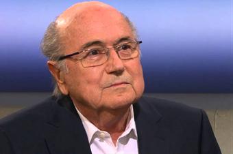 FIFA-Präsident Sepp Blatter tritt nach seiner Wiederwahl zurück. Bild: SRF